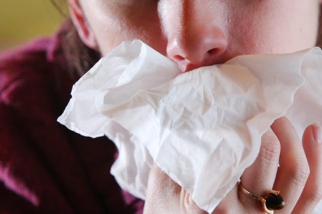 L'activité grippale continue d'être particulièrement intense au... (Courtoisie)