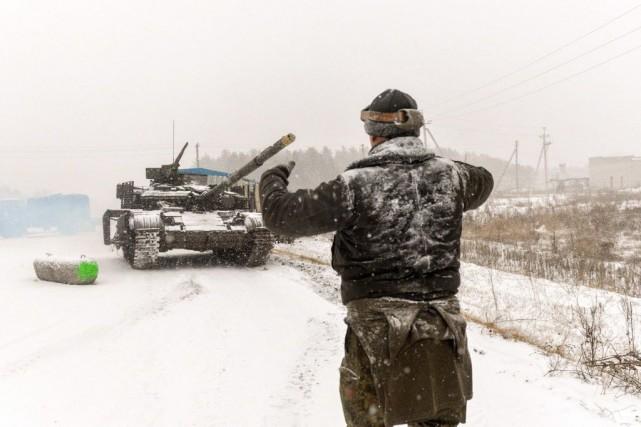 L'Ukraine combat depuis plus de huit mois une... (PHOTO SERGEY BOBOK, AFP)