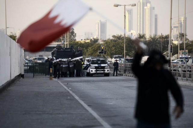Depuis dimanche soir, des manifestations sporadiques émaillées d'incidents... (PHOTO MOHAMMED AL-SHAIKH, AFP)