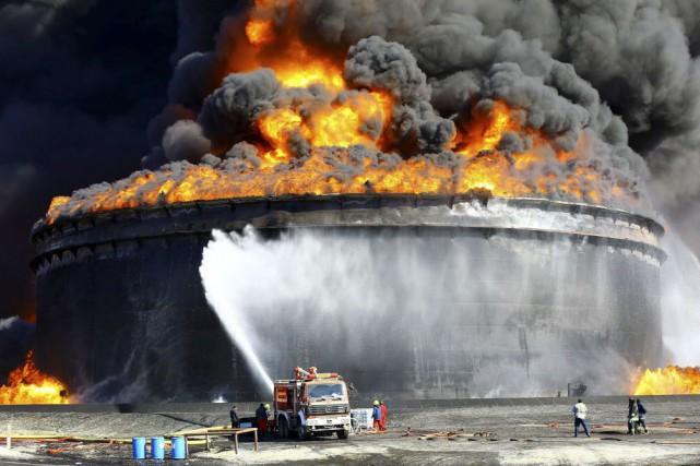 Le gouvernement provisoire libyen a fait appel à... (Photo Reuters)