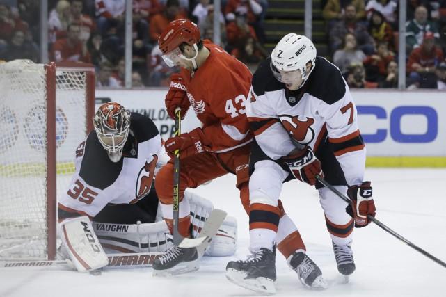 Darren Helm a réalisé un doublé et les Red Wings de Detroit ont battu les... (Photo AP)
