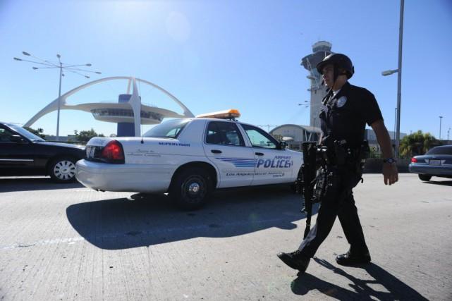 Les enquêteurs avaient d'abord craint que les policiers... (Photo ROBYN BECK, Archives AFP)