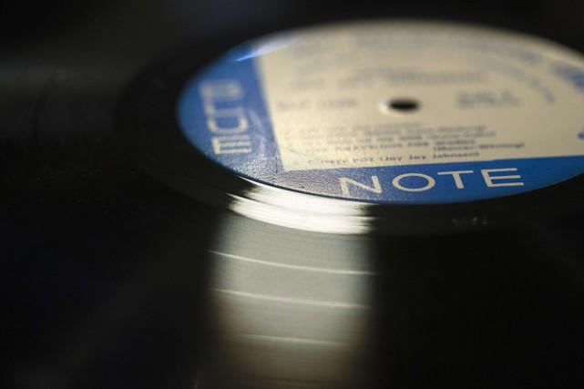 Le disque vinyle, autrefois uniquement prisé des puristes... (PHOTO JOEL SAGET, AFP)