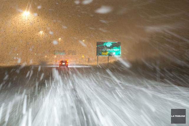 Une bonne dizaine d'accidents et de sorties de route ont été déclarés jeudi... (Archives, La Tribune)