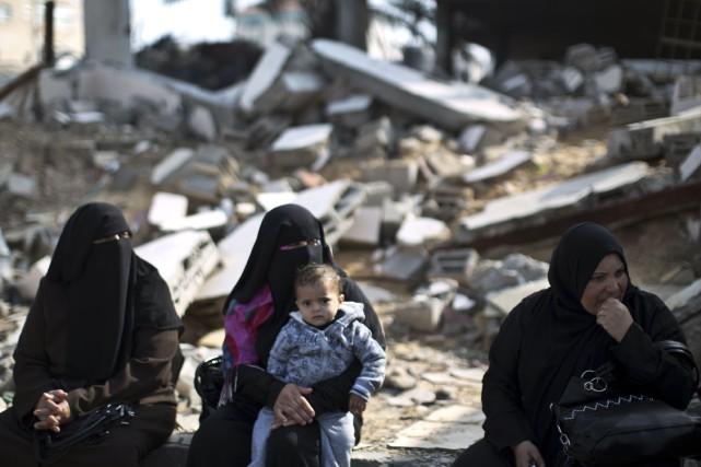 La direction palestinienne a décidé vendredi soir de présenter une nouvelle... (Photo MAHMUD HAMS, AFP)