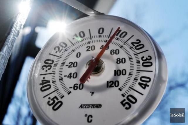Le mercure pourrait indiquer jusqu'à 12°C dimanche, selon... (Archives Le Soleil, Erick Labbé)