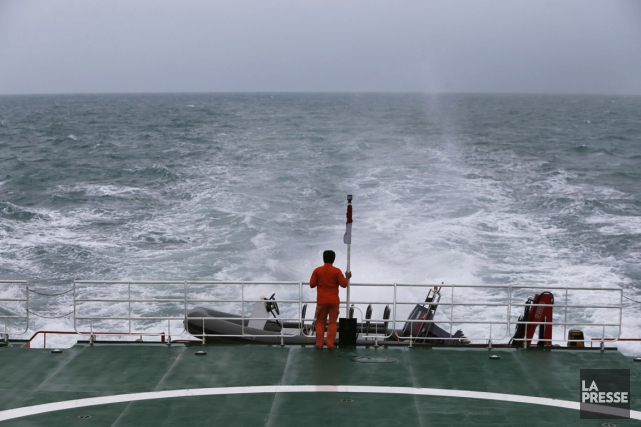 Des plongeurs ont été envoyés à l'endroit où... (PHOTO REUTERS)