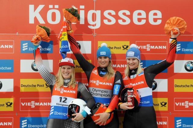 De gauche à droite: Alex Gough, NatalieGeisenbergeret Dajana... (PHOTO TOBIAS HASE, AP)