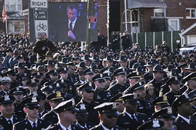 Le 27 décembre, lors des obsèques du premier... (PHOTO SHANNON STAPLETON, REUTERS)