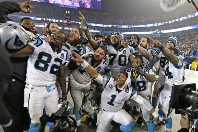 Les Panthers ont remporté leurpremière victoireen éliminatoires en... (PHOTO CHUCK BURTON, AP)