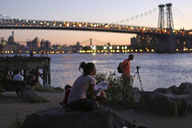Vue sur l'East River etManhattan depuisBrooklyn....