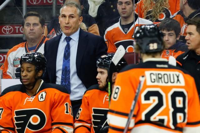 Les Flyers de Philadelphie ont congédié leur entraîneur-chef Craig Berube, a... (PHOTO BILL STREICHER, ARCHIVES USA TODAY)