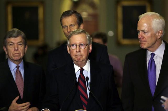 Mitch McConnell (au centre) deviendra mardile nouveau chef... (Photo: Reuters)