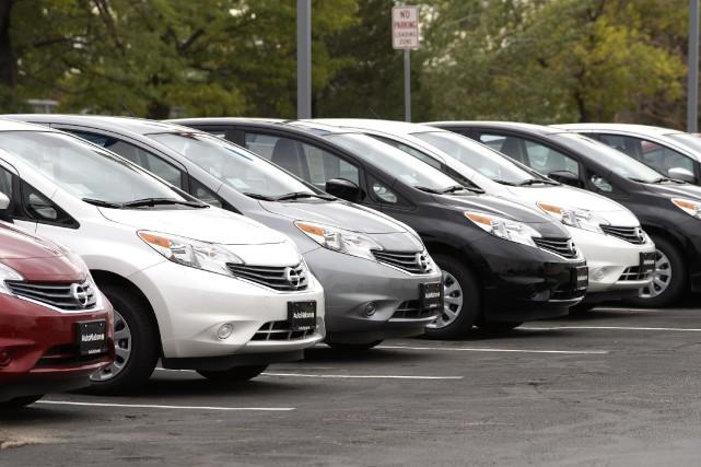 La Leaf, première automobile de Nissan fonctionnant totalement... (Photo RICK WILKING, Reuters)
