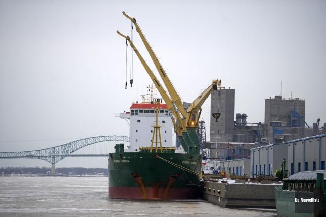 Le port de Trois-Rivières a connu une hausse... (Photo: Stéphane Lessard Le Nouvelliste)