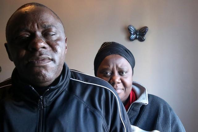 Baaden Kalala et son épouse Chantal Mpunga, espèrent... (Patrick Woodbury, LeDroit)