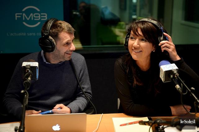 En fin d'émission, le duo a servi des... (Photothèque Le Soleil, Erick Labbé)
