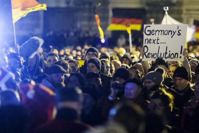 La manifestation «contre l'islamisation» de la société a réuni lundi 18 000... (Photo: Reuters)