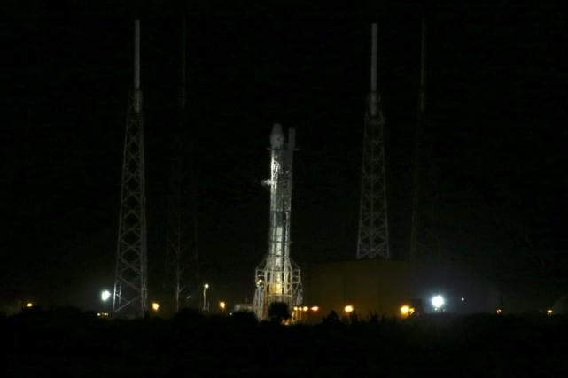 SpaceX devait profiter de ce lancement pour tenter... (Photo Scott Audette, Reuters)