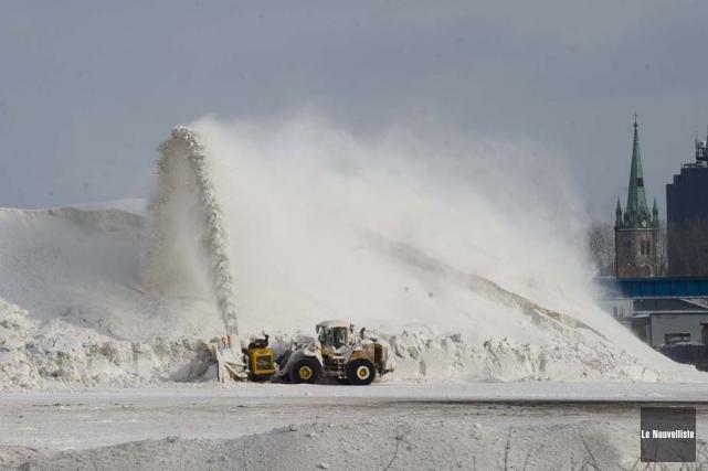 Les opérations de déneigement se dérouleront au moins... (Photo: Sylvain Mayer, Le Nouvelliste)