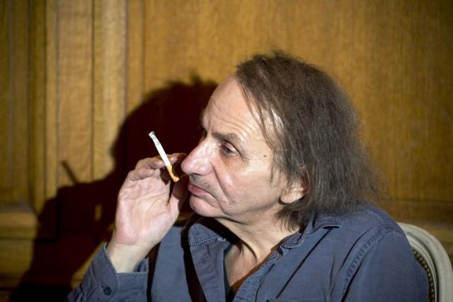 L'écrivain Michel Houellebecq se défend d'avoir écrit une... (PHOTO LIONEL BONAVENTURE, AFP)