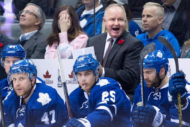 Randy Carlyle est lequatrième entraîneur à perdre son... (Photo Nathan Denette, PC)