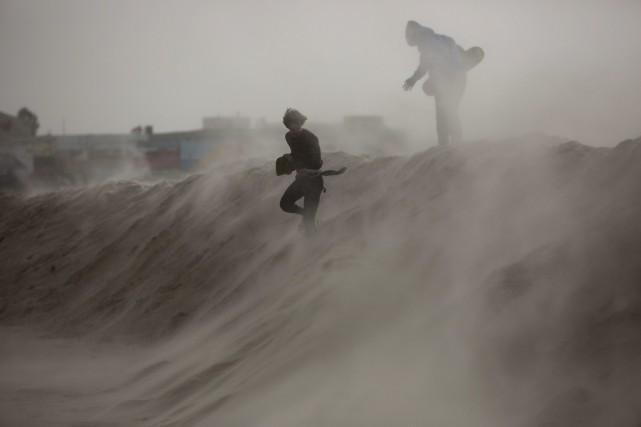 La capitale égyptienne du Caire a été frappée... (Photo Oded Balilty, AP)