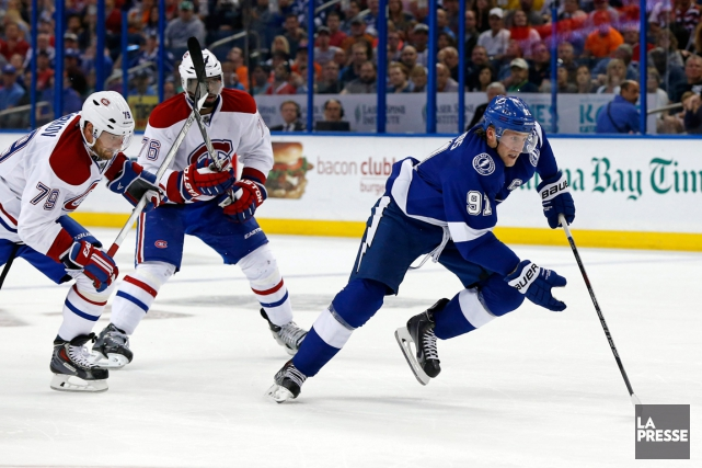 Steven Stamkos (à droite) et le Lightning de... (Photo Mike Carlson, archives AP)