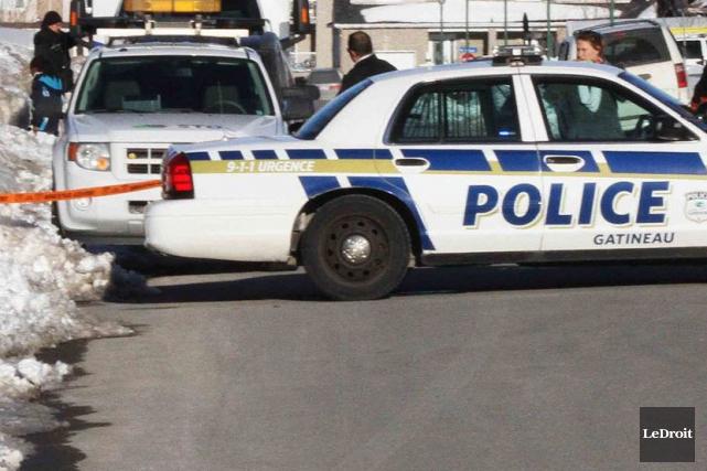Une personne en crise a tenu les policiers de Gatineau en haleine, mardi... (Archives, LeDroit)