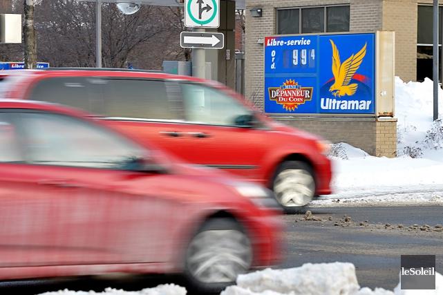 Il n'y a pas que les automobilistes qui sourient devant les faibles coûts à la... (Le Soleil, Yan Doublet)