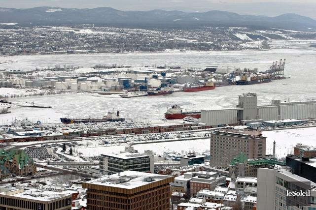 Le port de Québec prévoit désormais recourir systématiquement... (Photothèque Le Soleil, Pascal Ratthé)