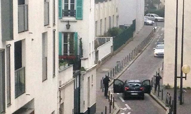 Des hommes armés ont fait feu en direction... (PHOTO TIRÉE DE TWITTER)