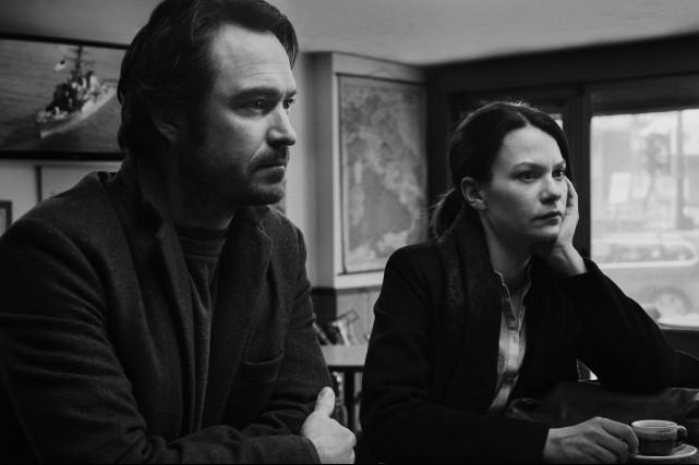 Les acteurs Sébastien Ricard et Fanny Mallette dans... (Photo fournie par Films 53/12)