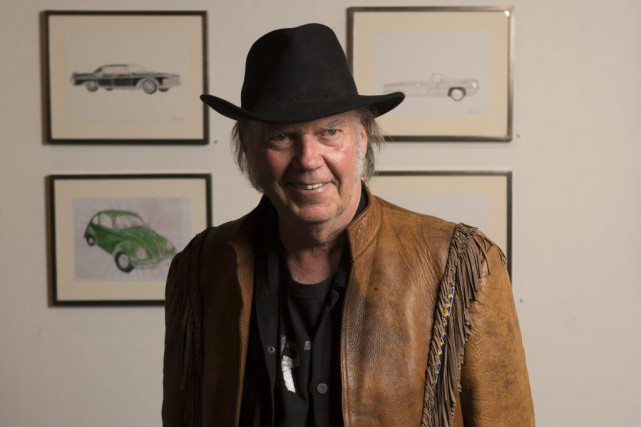 Neil Young... (PHOTO ARCHIVES AP)