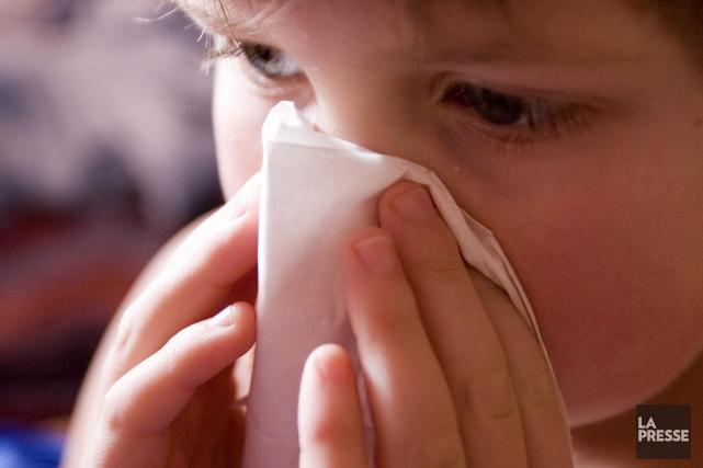 La grippe continue d'aliter bon nombre de Québécois. Plus de 2200 personnes ont... (Archives La Presse)