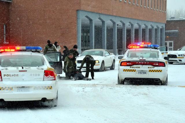 Les policiers de la SQ de Drummond ont procédé, mercredi en fin d'avant-midi, à... (Photo collaboration spéciale Éric Beaupré)