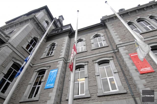 La Ville de Sherbrooke dénonce l'attentat perpétré à Paris contre le journal... (Archives La Tribune)