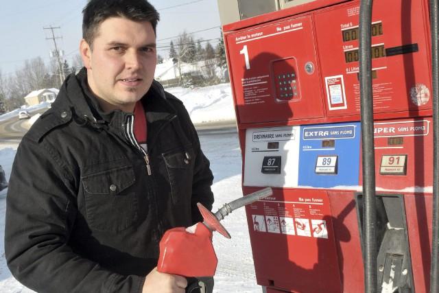 Un détaillant de Saguenay se dit incapable d'abaisser le prix de son essence... (Rocket Lavoie)