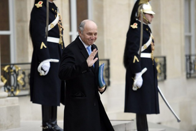 Le ministre des Affaires étrangères Laurent Fabius se... (PHOTO MARTIN BUREAU, AFP)