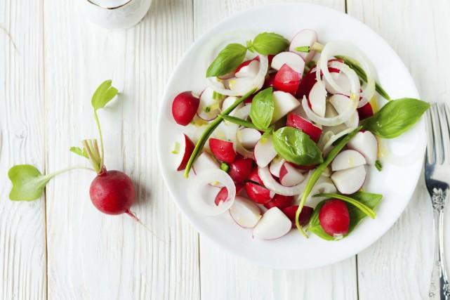 Manger plus sainement, une résolution populaire des dernières... (Photo Digital/Thinkstock)
