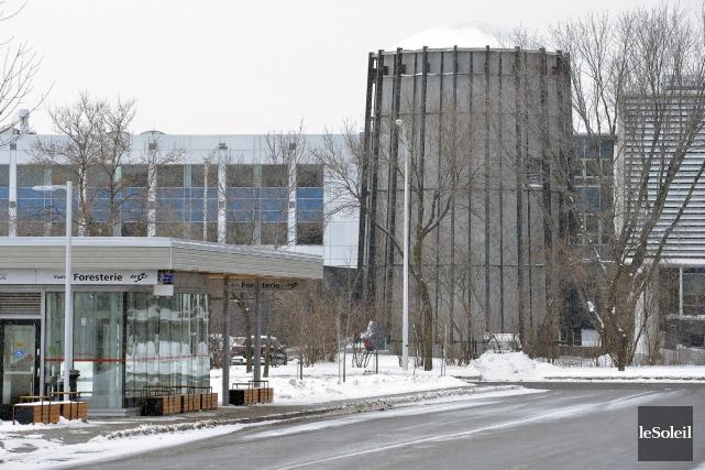 LeCentre d'optique, photonique et laser de l'Université Laval... (Photothèque Le Soleil, Jean-Marie Villeneuve)