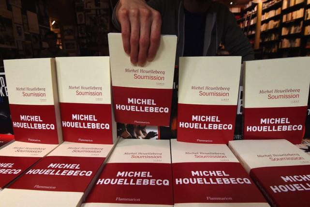 La traduction allemande deSoumission, dans lequel Michel Houellebecqimagine... (PHOTO DOMINIQUE FAGET, ARCHIVES AFP)