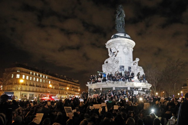 Le rassemblement avait à peine débuté que déjà... (Photo AP)