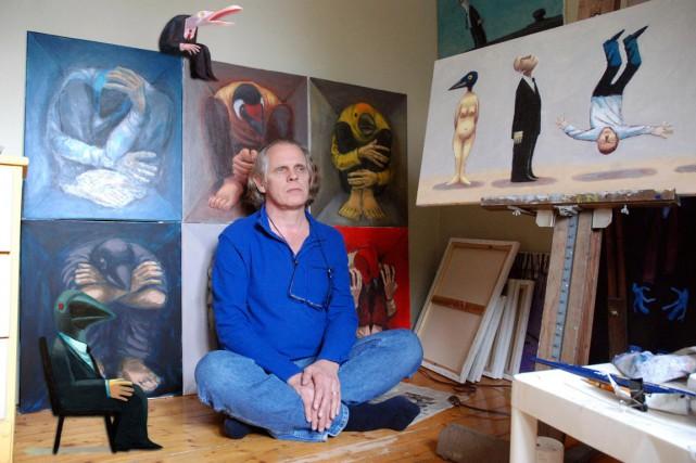 André-Philippe Côté dans son atelier... (Photo Marc Tessier)