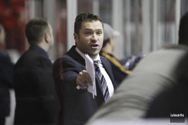 L'entraîneur-chef des Inouk, David Lapierre, refuse de voir... (photo Julie Catudal, archives La Voix de l'Est)