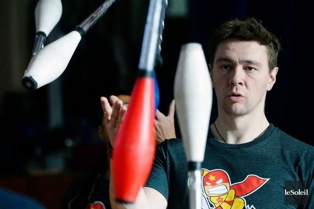 Jusqu'à 1000 jongleurs venus principalement de l'Amérique du... (Le Soleil, Jean-Marie Villeneuve)