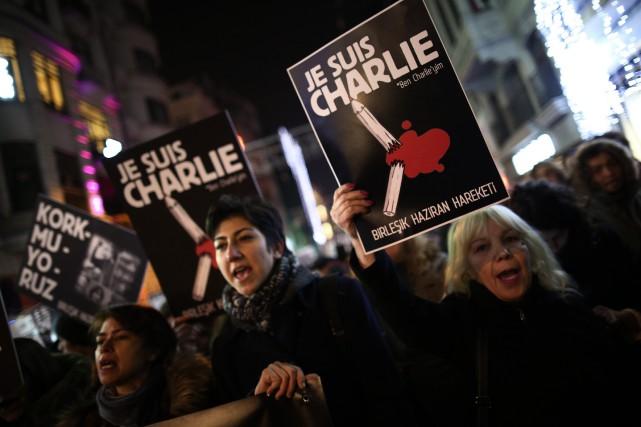 «Au nom de quoi que ce soit ou de qui que ce soit, la violence est... (Photo AP)