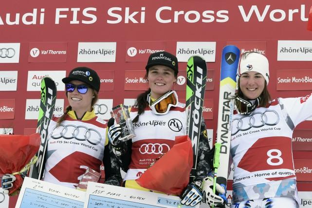 La Canadienne Marielle Thompson (au centre) a remportéla... (Photo Philippe Desmazes, AFP)