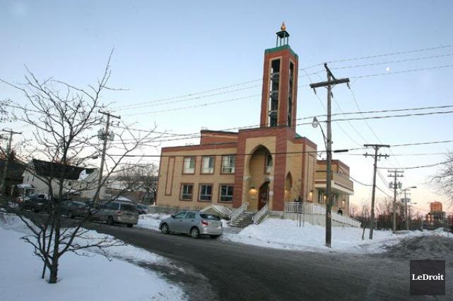 Le personnel de la mosquée de Gatineau, située... (Patrick Woodbury, Archives LeDroit)