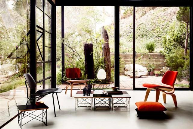 Moulées en trois dimensions, les chaises Plywood Group... (Photo fournie par Herman Miller)